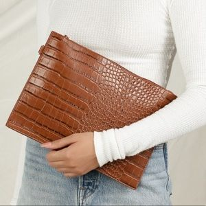 Lulu's Bags - Brand new Lulus clutch